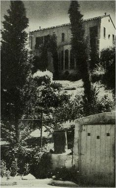 Falcon's Lair 1929-For three years after his death Rudolph Valentio's Home remained empty.Harry Carey eventually bought it.