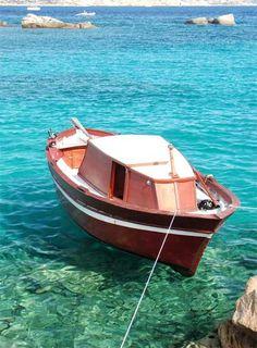 Google Image Result for http://www.lifeinitaly.com/images/Sardinia/img/sardinia-emarald-bay.jpg