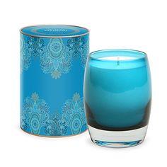 Para las amantes de las fragancias, este es el regalo perfecto, vela aromática en recipiente de cristal y contenedor de metal con un lindo decorado.