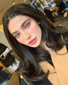 Green eye makeup - make-up / makyaj Makeup Trends, Makeup Tips, Beauty Makeup, Hair Beauty, Makeup Ideas, Beauty Trends, Makeup Products, Mauve Makeup, Skin Makeup