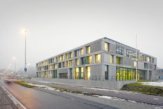 Image 1 of 23 from gallery of FOM Institute AMOLF / Dick van Gameren architecten. Photograph by Marcel van der Burg Architecture Life, Interior Architecture, Central Building, Science Park, Plan Design, Exterior Design, Amsterdam, Street View, Gallery