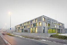 FOM Institute AMOLF Design Team: Dick van Gameren
