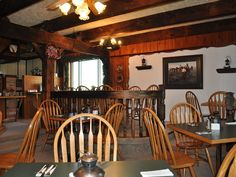 VRBO.com #609787 - Family Friendly Country Lodge 15 Minutes Away from Waterton Lakes National Park. Rustic. Decor is very dated. Surroundings beautiful. Big dining room could be used for meetings or yoga. Not sure if there's a fireplace or not