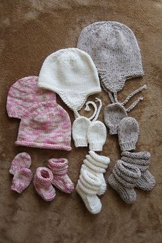 Knitting Pattern For Baby Hat And Mittens : 1000+ images about Knitting Baby Mittens & Booties on Pinterest Baby bo...