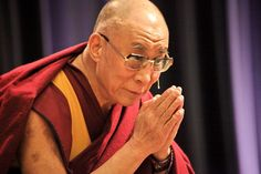 His Holiness the Dalai Lama on good heart, awakened mind, the causes of happiness and other basic principles of Buddhism. Tibet, Positive Quotes For Life, Life Quotes, Principles Of Buddhism, Citations Blog, Confucius Citation, La Compassion, 14th Dalai Lama, Buddhist Philosophy