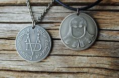 ~ Valar Morghulis - Valar Dohaeris ~  This is quite beautiful. It has good weight, design, and fits perfectly with the chain. Very happy with this