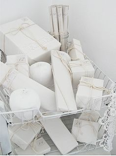 A Gift Wrapped Life - Gifting Tips, Advice and Inspiration: Winter White gift wrapping..............divine understatement