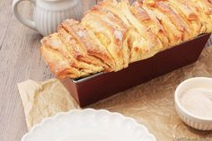 Bread Recipes The apple season has already started in mid-August and our apple trees tr … Crockpot Dessert Recipes, Delicious Desserts, Bread Recipes, I Love Food, Good Food, Vegan Sweets, Pampered Chef, Vegan Baking, Easy Cooking