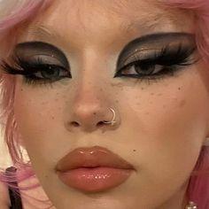 Edgy Makeup, Makeup Inspo, Makeup Goals, Makeup Inspiration, Beauty Makeup, Face Makeup, Punk Makeup, 60s Makeup, Drag Makeup