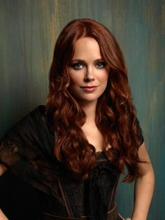 Katia Winter as Katrina Crane - her hair color Katia Winter, Gorgeous Redhead, Photos Of Women, Woman Face, Beautiful Actresses, Pretty Woman, Pretty Girls, Her Hair, Redheads