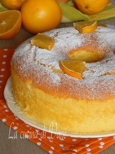 chiffon cake with orange Cake Recipes From Scratch, Easy Cake Recipes, Sweet Recipes, Dessert Recipes, Orange Chiffon Cake, Plum Cake, Torta Chiffon, Biscuit Dessert Recipe, Almond Paste Cookies