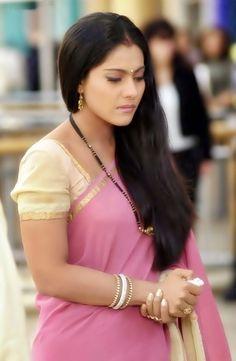 Kajol in K3G #Bollywood #Kajol Kapde return shiturn karne hote hai to khareedte wareedte kyun ho? <3