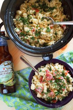 Slow cooker mac & cheese recipe with hard cider, white cheddar and bacon