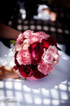 Bridal Bouquet in red and rose