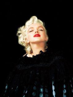 写真集『The Essential Marilyn Monroe』より