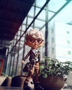 #Blythe #customblythe #blythecustom #doll #noisedoll #k07 #k07doll Ooak Dolls, Blythe Dolls, Art Dolls, Beautiful Barbie Dolls, Large Eyes, Boy Doll, Custom Dolls, Doll Face, Fashion Dolls