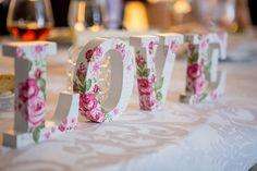 Jaki styl wybrać, gdy chce się urządzić piękny ślub i wspaniałe wesele – 3 modne propozycje! - Przeczytasz w: < 1 minutaPrzeczytasz w: < 1 minuta  - https://www.slubi.pl/blog/jaki-styl-wybrac-gdy-chce-sie-urzadzic-piekny-slub-i-wspaniale-wesele-3-modne-propozycje/