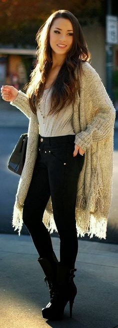 Oversized Cozy Cardigan With Black Skinny Jeans and High Heel Boots