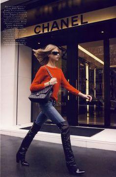 Chic orange: Chanel