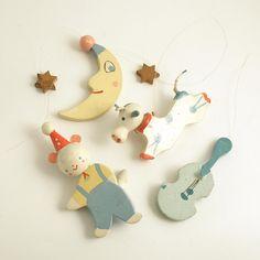 Vintage Wood Figurines Cat Fiddle Moon Dog Stars