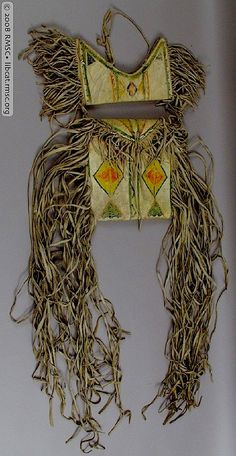 Crow parfleche bags from Lewis Henry Morgan. Rochester Mus of Science. Native American Genocide, Native American Artifacts, Native American Tribes, Native American Beading, Native Americans, American Indian Crafts, Henry Morgan, Crow Indians, Native American Clothing
