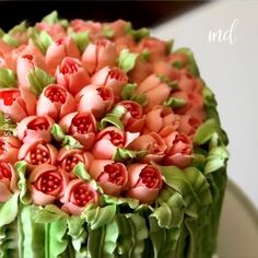 Is this a cake or a bouquet? Is this a cake or a bouquet? Cake Decorating Videos, Cake Decorating Techniques, Cookie Decorating, Ocean Cakes, Cake Hacks, Quick Cake, Watercolor Cake, Tasty Chocolate Cake, Dessert Decoration