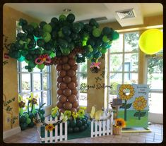 Elegant Balloons, located in Pearl River, provides fabulous balloon decorations to the New York and New Jersey area. Boys 1st Birthday Cake, 1st Birthday Balloons, Birthday Stuff, Balloon Palm Tree, Balloon Wall, Balloon Decorations, Baby Shower Decorations, Balloon Crafts, Balloon Ideas