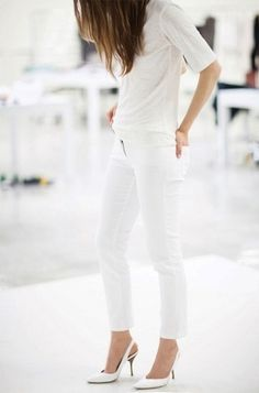 So minimalist and clean, an all white look is totally right for a warm-weather winter getaway