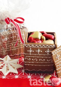 Christmas gift to eat, box and all; photography by Ian Wallace, recipe by Kathy Knudsen Edible Christmas Gifts, Xmas Food, Edible Gifts, Christmas Sweets, Christmas Gingerbread, Christmas Cooking, Noel Christmas, Christmas Goodies, Gingerbread Cookies