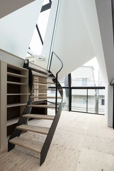 Perfil is a minimalist house located in Tokyo, Japan, designed by Architects Atelier Ryo Abe. The residence is situated on a corner lot in the quiet suburban neighborhood. (14)