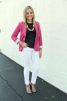 White jeans, black t shirt, pink blazer pink outfits, stylish outfits, blazer Pink Blazer Outfits, Preppy Outfits, Curvy Outfits, Boho Outfits, Stylish Outfits, Summer Teacher Outfits, Summer Outfits, College Football, Preppy Business Casual
