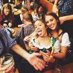 Oktoberfest Costume, Oktoberfest Beer, German Women, German Girls, Octoberfest Girls, Cute Things Girls Do, Beer Maid, Beer Girl, Doja Cat