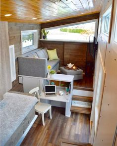 Built by Nielsen Tiny Holmes in BC, Canada #smallroomdesigntinyhouses