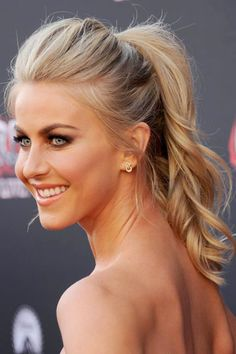 Julianne Hough's pretty ponytail I REALLY like this