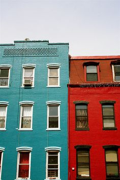 Love these colors together: aqua and red