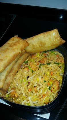 Bami uit by # fritteur – Francine Malfait - Easy Food Recipes Diet Food To Lose Weight, Asparagus Tart, Tapas, Gourmet Recipes, Healthy Recipes, Pasta, Air Fryer Recipes, Salmon Recipes, Easy Cooking