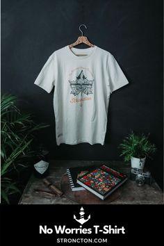 """Aufdruck No Worries About Tomorrow auf einem 100% Bio-Baumwoll Round Neck T-Shirt. Das Design ist auf 100 St. limitiert und mit einem """"LTD Created On"""" Label gekennzeichnet und erhält damit einen besonderen Charakter. Nachhaltige Materialien und faire Produktion. Tipp: Ärmel 2-mal umschlagen, und schon hast du ein Roll-Sleeve Shirt. 1,- € aus jedem Verkauf spenden wir für wohltätige Zwecke. Mehr Ideen für nachhaltige Outfits und Accessoires findest du bei Stroncton im Online Shop #stroncton Longsleeve, My Outfit, No Worries, Sweatshirt, Mens Tops, Clothes, Vintage, Winter, Design"""