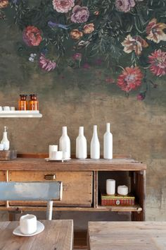Beautiful Wallpaper with Great Patina. Like. Dutch masterpiece hanging upside down.