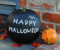 Fabulous DIY Pumpkin Decorating Ideas for Halloween Diy Pumpkin, Pumpkin Crafts, Pumpkin Carving, Pumpkin Pies, Black Pumpkin, Carving Pumpkins, Halloween Tableau, Halloween Pumpkins, Halloween Chalkboard
