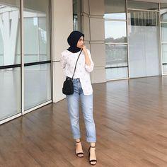 Trendy Fashion Hijab Style Simple Chic hijab casual re… – Hijab Fashion 2020 Hijab Casual, Ootd Hijab, Hijab Chic, Hijab Jeans, Simple Hijab, Casual Ootd, Casual Jeans, Dress Casual, Modern Hijab Fashion