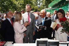 Los Reyes don Felipe y doña Letizia han inaugurado la 76º edición de la Feria del Libro de Madrid – del 26 de mayo al 11 de junio-.