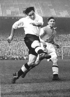 Alf Ramsey Tottenham Hotspur and England. Football Icon, Retro Football, Vintage Football, Football Soccer, College Football, Tottenham Hotspur Players, Image Foot, British Football, Iker Casillas
