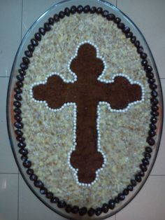 Coliva Bread Art, Romanian Food, Orthodox Christianity, Christmas Time, Deserts, Religion, Cooking Recipes, Easter, Dishes