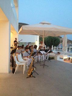 Φιλαρμονική Ορχήστρα της Κω:  20:00 - 20:30   Jazz night @Theion Sea Bar.. Keyboards: Thanasis Pouliou Vocals: Maria Pouliou & Katerina Pouliou