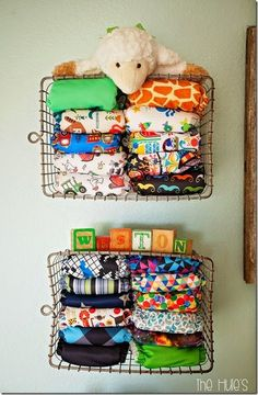 15 Totally Genius Ways to Organize Baby Clothes DIY Home ideas organisation and decor Cloth Diaper Storage, Cloth Nappies, Cloth Diaper Organization, Nursery Storage, Nursery Organization, Organization Ideas, Clothing Organization, Couches, Baby Clothes Storage