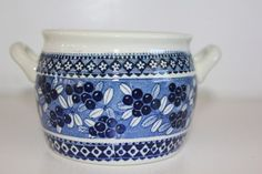 """Puolukka"" butter jar, Arabia of Finland"