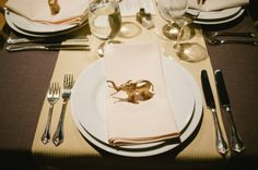 painted gold plastic animal idea-- tacky or brilliant? Spray Paint Plastic, Painting Plastic, Wedding Table, Wedding Blog, Wedding Ideas, Elephant Table, Gold Table, Plastic Animals, Whimsical Wedding