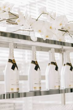 """I only drink champagne on two occasions, when I am in love and when I am not."" - Coco Chanel Pop the cork with Hollywood Pop event design! Champagne Drinks, Bubbly Bar, White Cocktails, Wedding Champagne, Wedding White, Mimosa Bar, Wedding Decorations, Wedding Ideas, Wedding Reception"