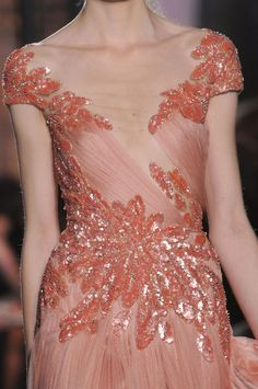 Zuhair Murad Spring 2013 Couture. . . I think i want my weddig dress just like this in white!!