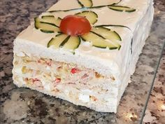Tortas Sandwich, Sandwich Cake, Tea Sandwiches, Canapes, Vanilla Cake, Tea Time, Keto, Lunch, Vegetables
